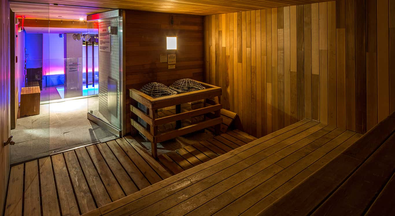 Enjoy a relaxing experience in the Room Mate Grace Sauna
