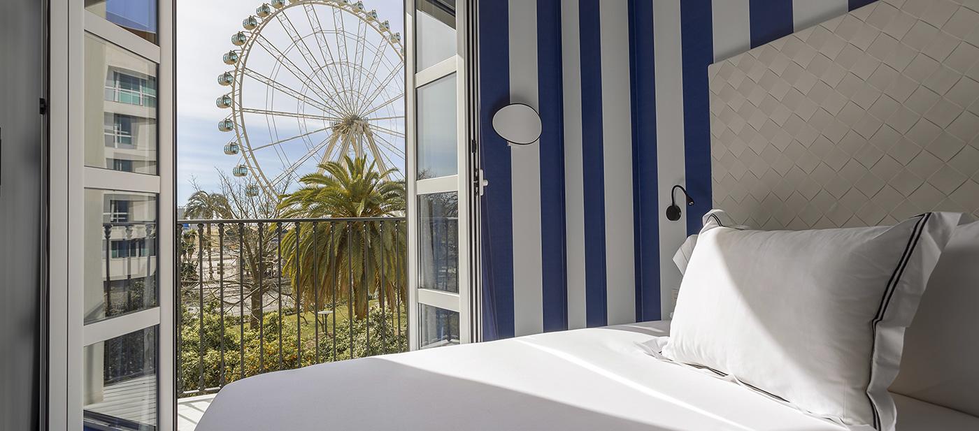 Hotel de dise o en m laga centro room mate valeria for Hotel diseno malaga