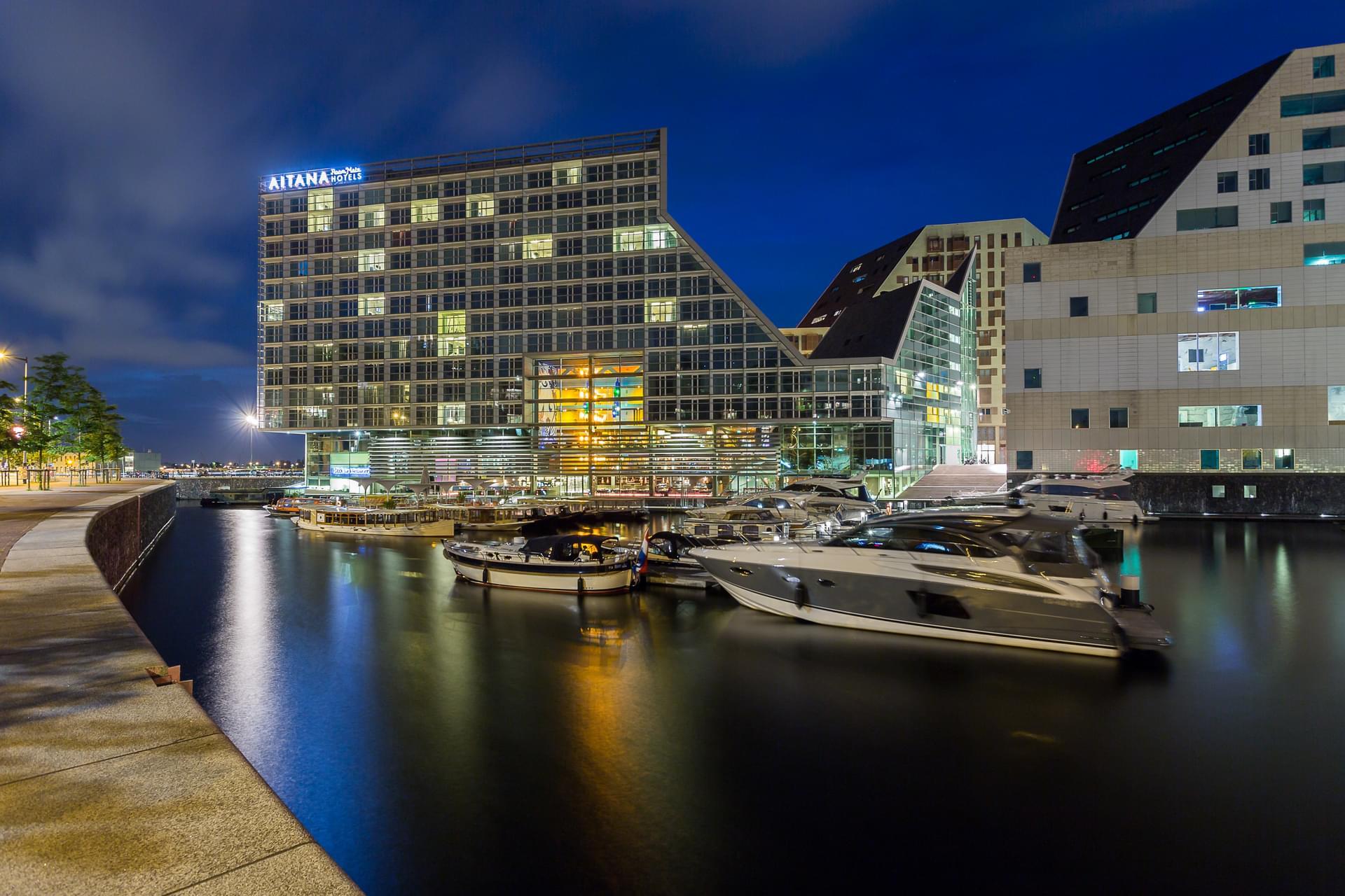 Galer a de fotos del hotel room mate aitana for Amsterdam hotel centro