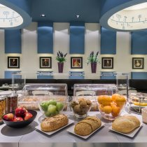 Buffet del hotel boutique Laura